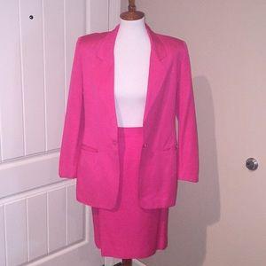 Vintage fushia 2 pc suit sz 4